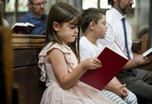 Kids-joining-their-father-in-prayer-cm
