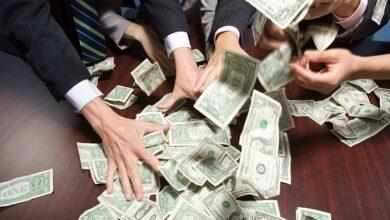 Corrupt Politicians Grabbing Cash